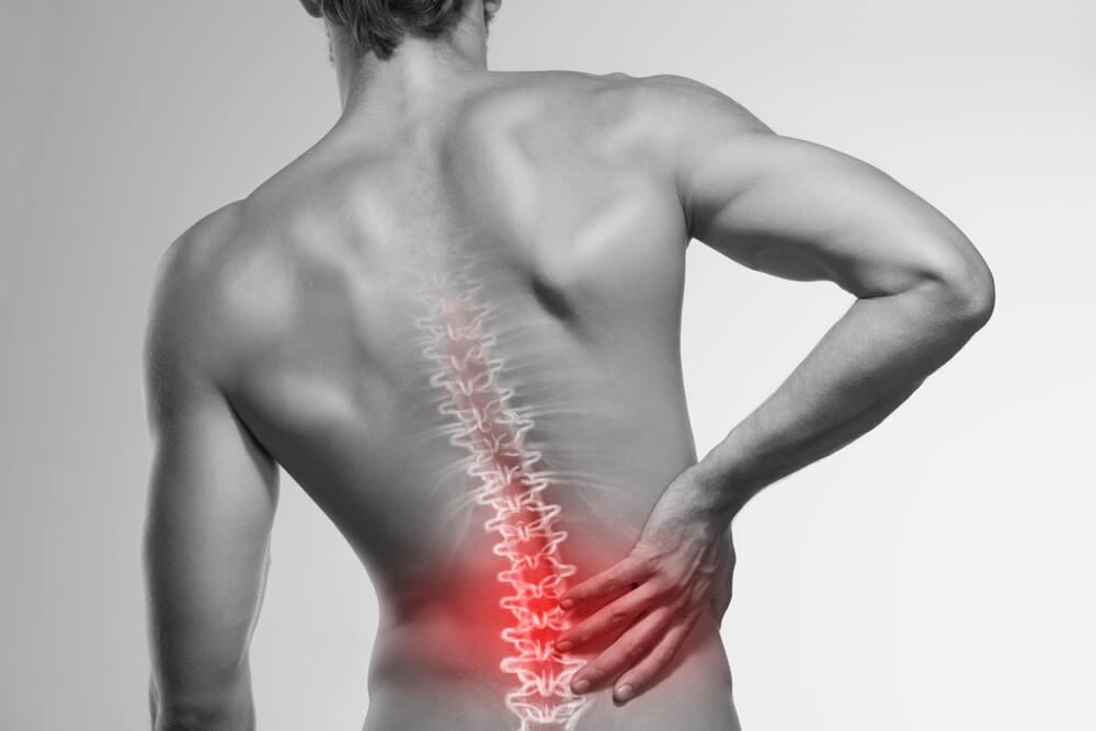 dolor-espalda-jovenes-adultos